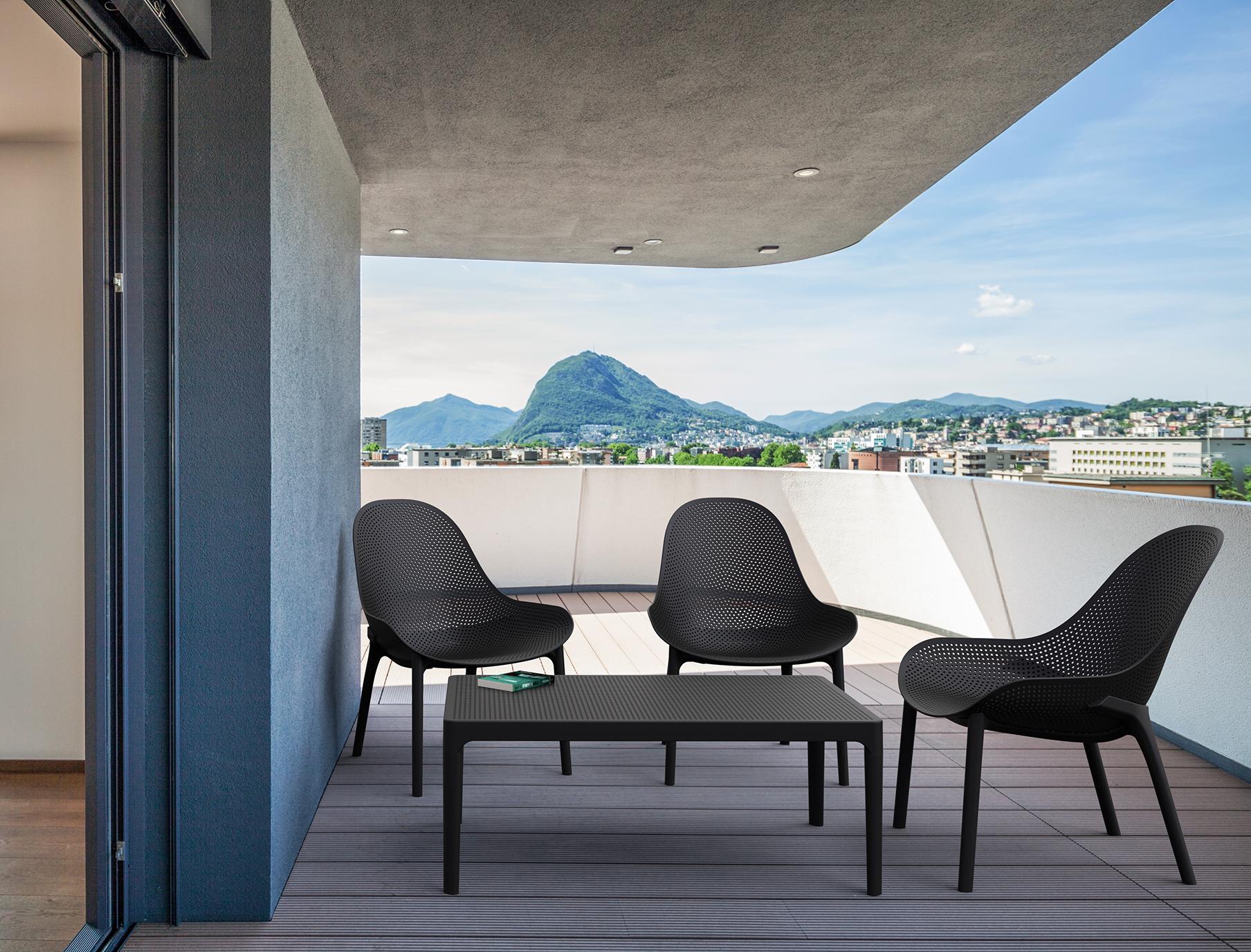 Sky Lounge Setting in Black